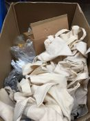 1 LOT TO CONTAIN APRROX 30 AMEY BRAND THERMO FLASK CUPS AND LIDS , LANYARDS , AND A BOX OF PENS -