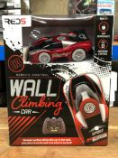 12 X WALL CLIMBING CARS - COLOURS VARY / COMBINED RRP £240.00 / UNTESTED CUSTOMER RETURNS