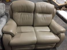 1 LOT TO CONTAIN A PARKER KNOLL BOSTON 2 SEATER SOFA / RRP £1275.00
