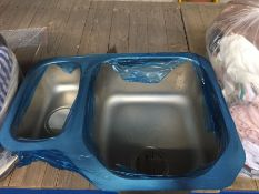 1 LOT TO CONTAIN A METAL SINK FROM LA REDOUTE