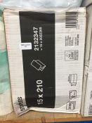 1 LOT TO CONTAIN A BOX OF STAPLES ZZ V FOLD HAND TOWELS - L3
