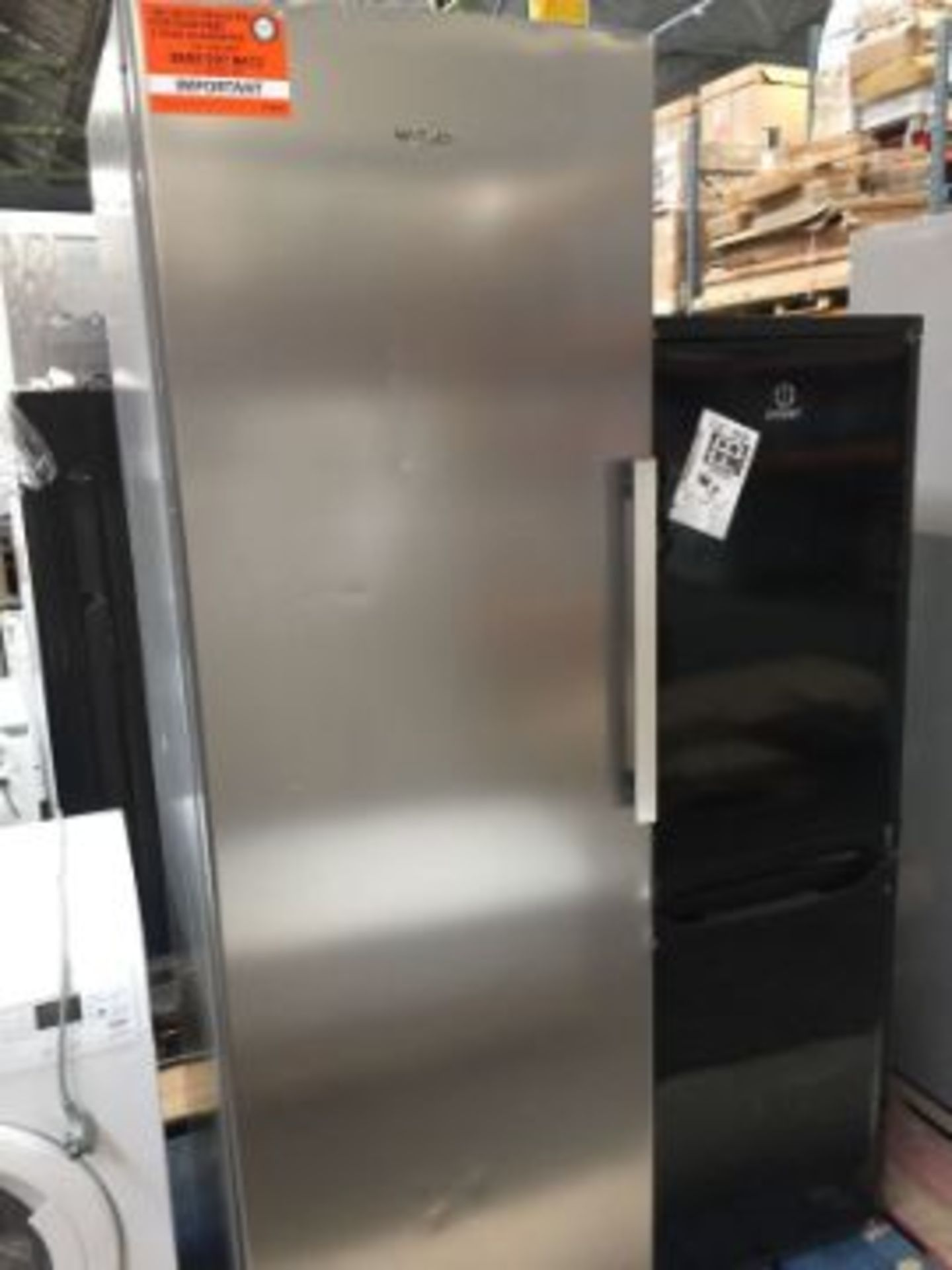 WHIRLPOOL UW8F2CXBUK.1 UPRIGHT FREEZER RRP £549