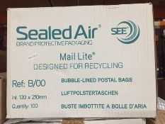1 LOT TO CONTAIN A BOX OF SEALED AIR MAIL LITE BUBBLE LINED POSTAL BAGS B/00 - L4