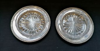 Boxed air of silver and crystal butter dishes. Makers Mappin & Webb. Sheffield, 1959. Silver 4.8