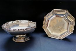 A pair of George V Silver fruit comports with pierced upper rim. Sheffield, 1917. Makers Thomas