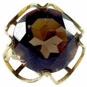 Ringe mit Steinbesatz Repräsentativer Damenfingerring mit einem Besatz aus einem facettierten wohl