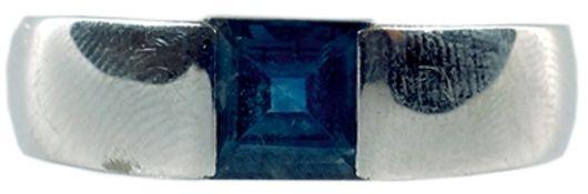 Ringe mit Steinbesatz Attraktiver Herrenring. 585er WG, gestempelt. Juwelierpunze, gestempelt.