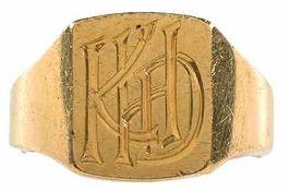 """Ringe ohne Steinbesatz Herrenfingerring mit Monogramm """"KHD"""". 20 Jh. 750er GG an der Grenze zum RG,"""