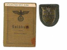 Auszeichnungen Wehrmacht Heer 2. Weltkrieg Krim Ärmelschild auf feldgrauer Stoffunterlage mit