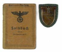 Auszeichnungen Wehrmacht Heer 2. Weltkrieg Kuban Ärmelschild auf feldgrauer Stoffunterlage mit