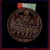 """3. Reich Sportehrenzeichen, Sportauszeichnungen Bronzierte Medaille """"Nationalsoz Reichsbund für"""