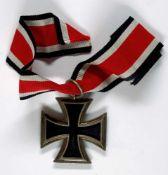 Allg. militärische Auszeichnungen 2. Weltkrieg Eisernes Kreuz 1939, 2. Klasse, am Band, Zustand