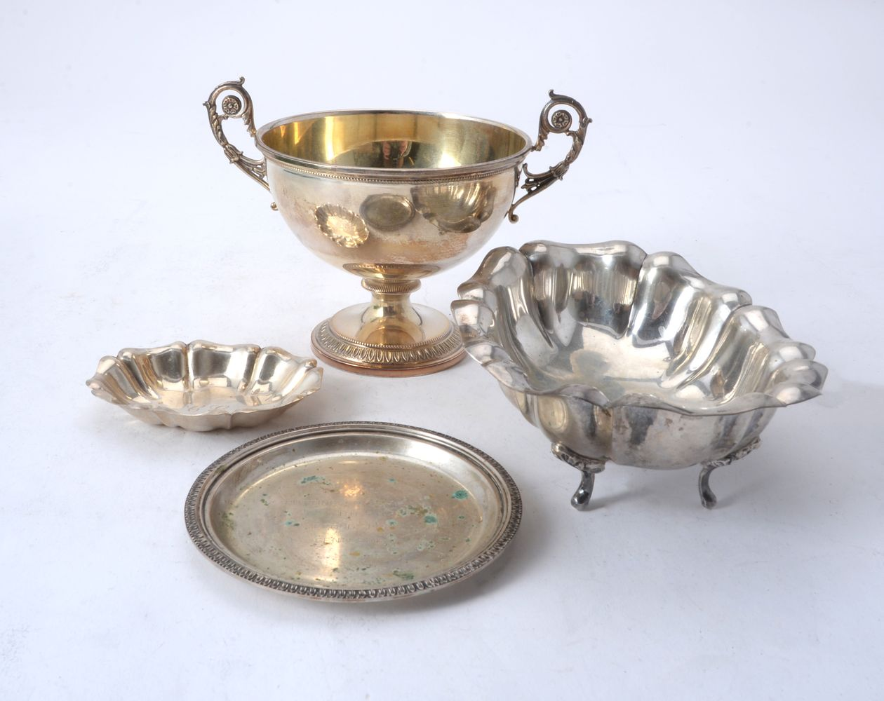 Lot 694 - Four items of Italian silver