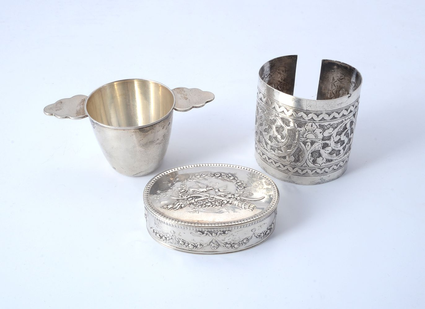 Lot 696 - Three foreign silver coloured items