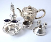ϒ A small collection of silver