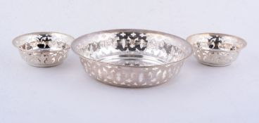 A graduated set of three Canadian silver circular baskets by Toronto Silver Plate Co.