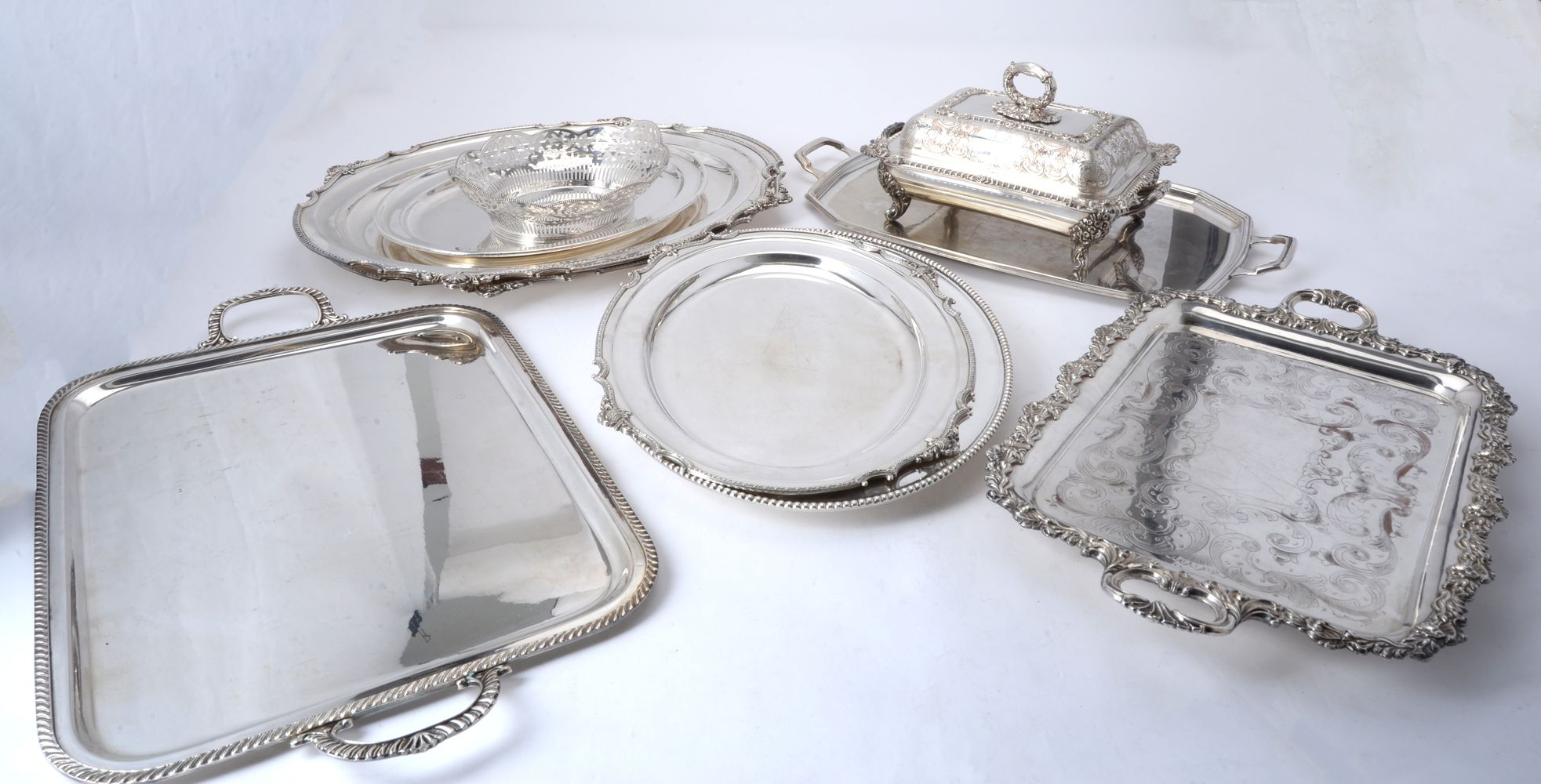 Lot 705 - A quantity of electro-plated wares