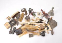 ϒ A collection of objects of vertu and other items