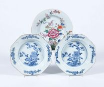 A pair of Chinese blue and white octagonal soup bowls