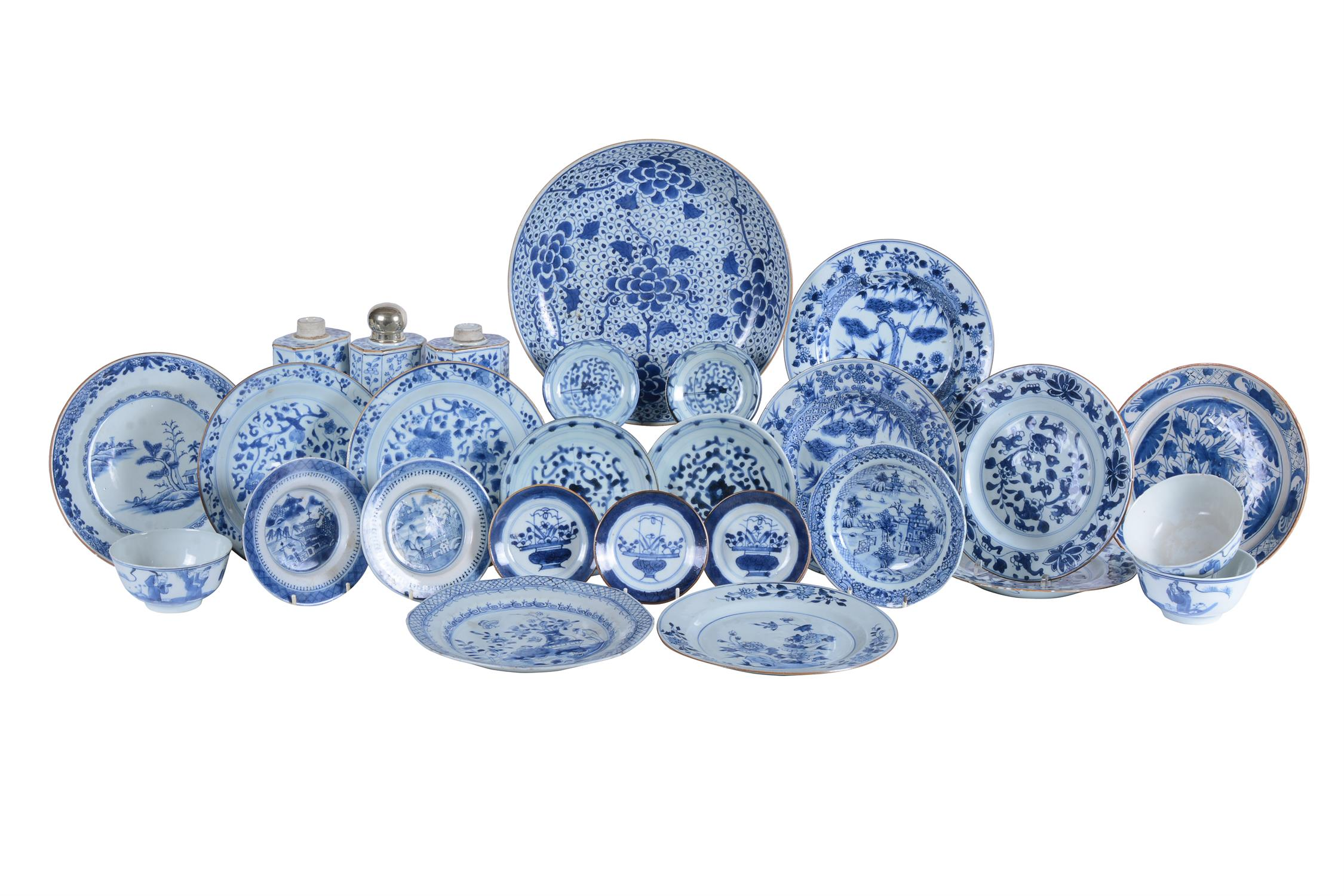 Three Chinese blue and white tea caddies
