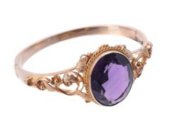 A late Victorian amethyst hinged bangle