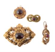 An early Victorian garnet brooch