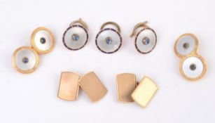 Y A pair of early 20th century sapphire and mother of pearl cufflinks