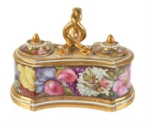 A Worcester (Barr, Flight & Barr) inkwell and covers painted with flowers