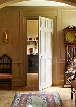 The Spirit of the English Country House: Property from James McWhirter, James Graham-Stewart and Alexander di Carcaci