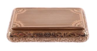 A French gold rounded rectangular snuff box