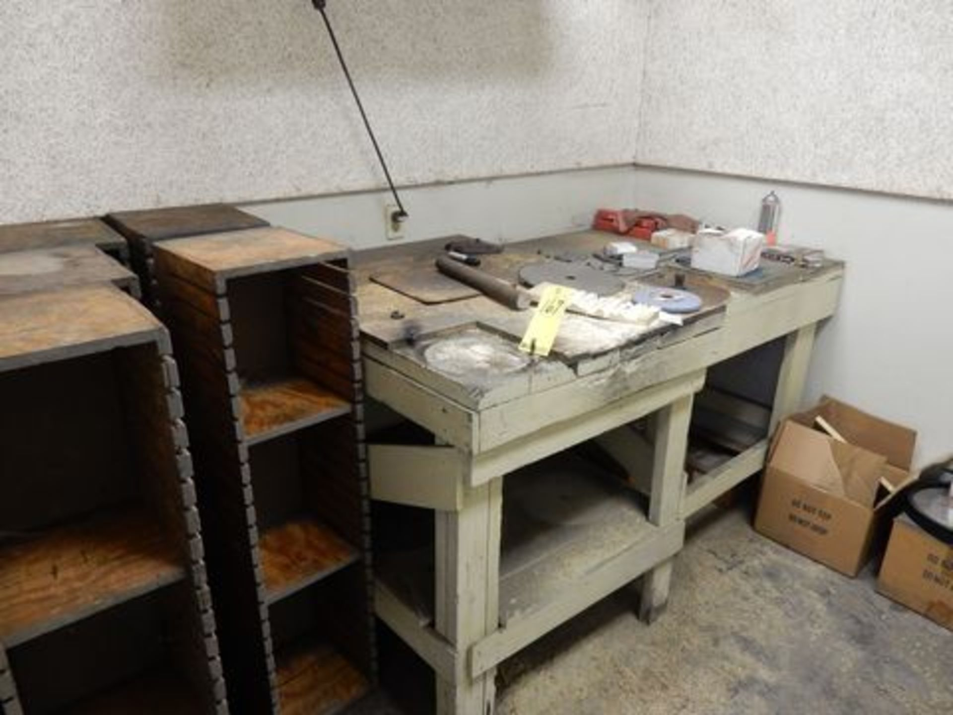 Lot 167 - CONTENTS OF OFFICE TO INCLUDE WOOD TABLES, METAL BOOKSHELF