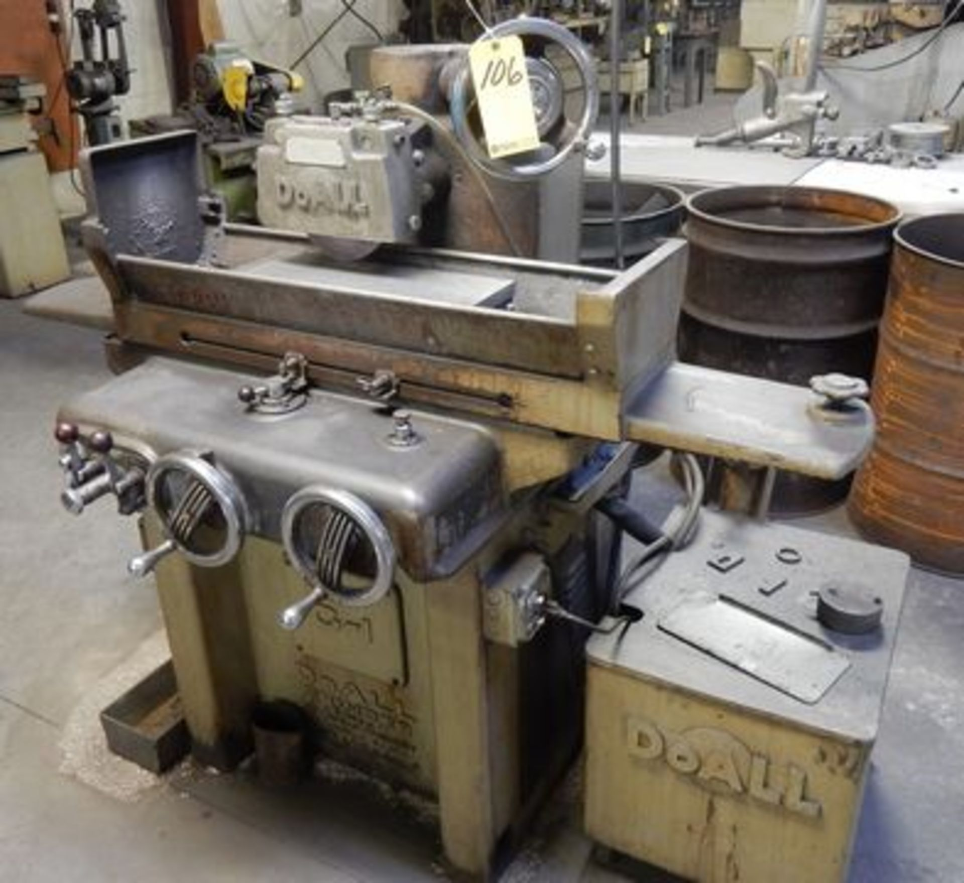 "Lot 106 - DOALL SURFACE GRINDER, M# G-1, SURFACE GRINDER, 51952, 6"" X 18"" MAGNETIC CHUCK, COOLANT"