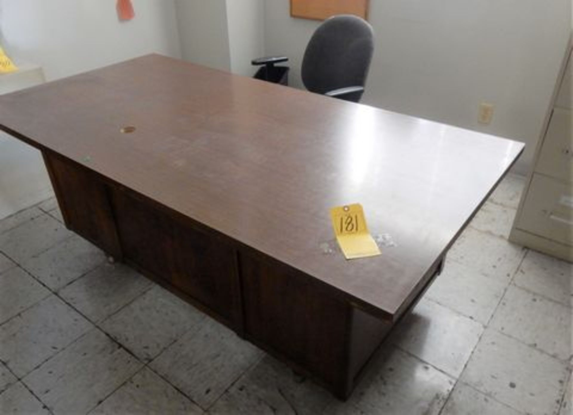 Lot 181 - WOOD FORMICA TOP OFFICE DESK W/CHAIR