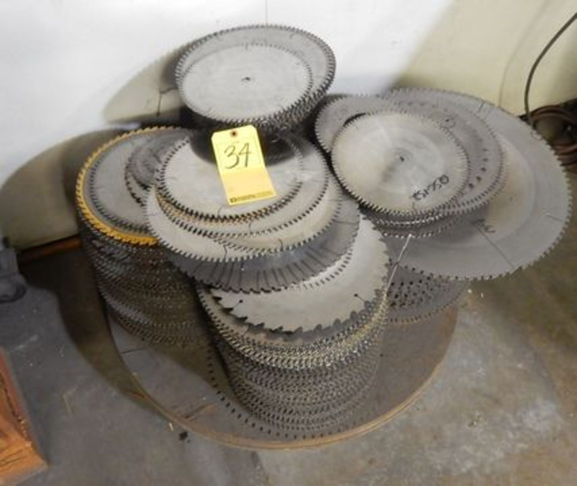 Lot 34 - LOT MISC. NON-REPAIRED SAW BLADES