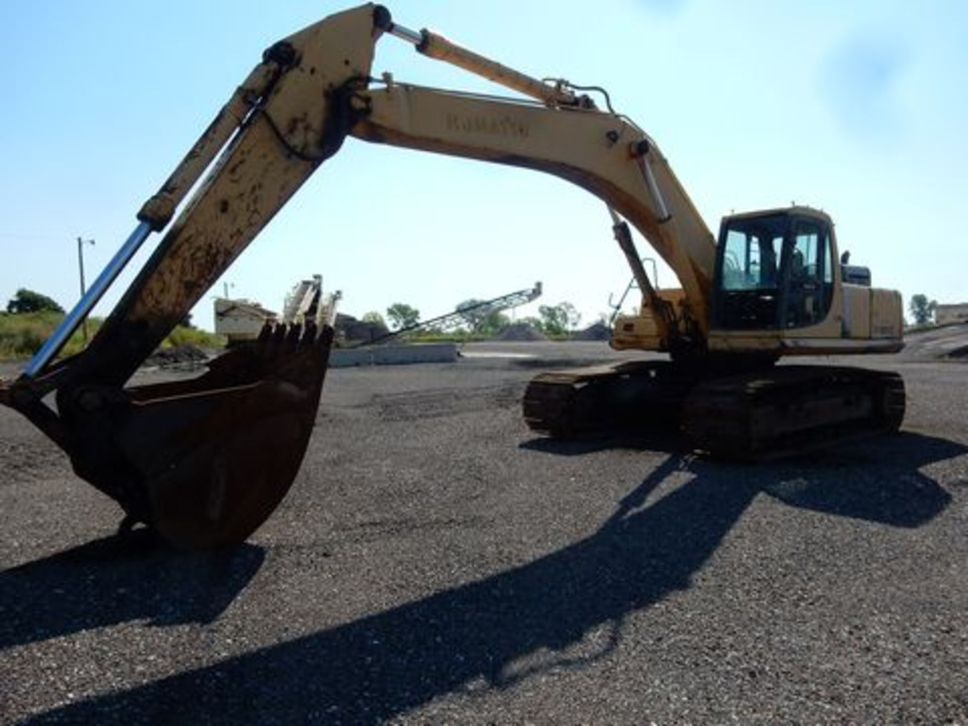 1997 KOMATSU EXCAVATOR, M# PC300LC-6LC, S/N A80735, HOURS N/A, 3-YD BUCKET, MISSING FRONT GLASS - Image 2 of 6