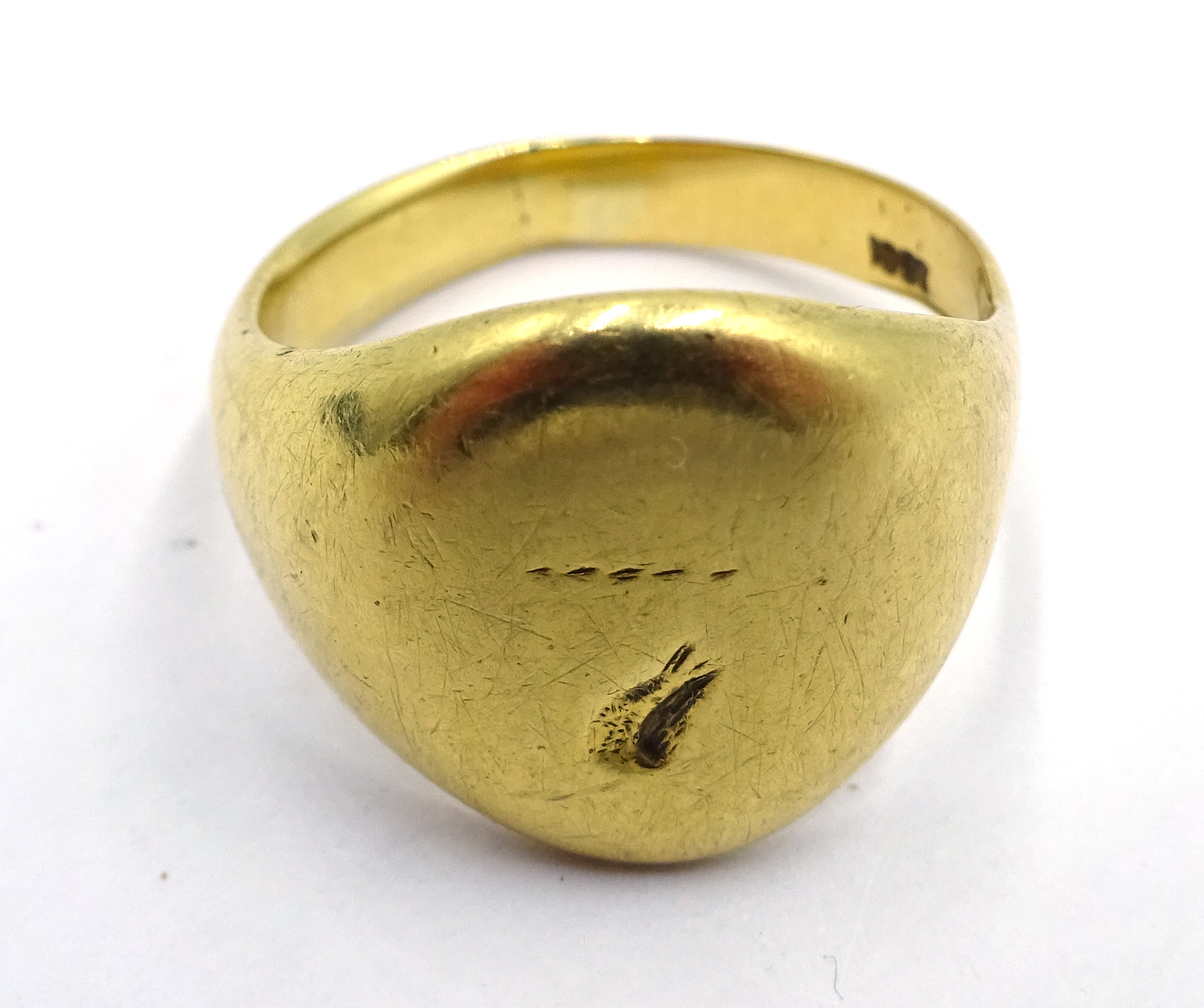 Lot 1059 - Gold signet ring stamped 18ct, approx 9.