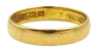 22ct gold wedding band hallmarked, approx 4.06gm