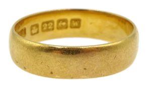 22ct gold wedding band hallmarked, approx 4.67gm