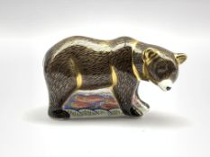 Royal Crown Derby 'Grizzly Bear' paperweight, boxed and with gold stopper