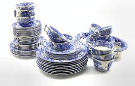 Spode Italian dinner and tea service comprising nine dinner plates, eleven large teacups & ten sauce