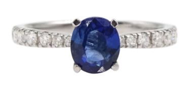 18ct white gold oval Ceylon sapphire ring, with diamond set shoulders, hallmarked, sapphire approx 0