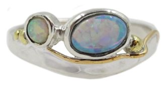Silver and 14ct gold wire opal ring, stamped 925