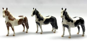 Beswick Piebald Pinto pony in gloss, another matt and a Skewbald Pinto pony in gloss, Model No. 137