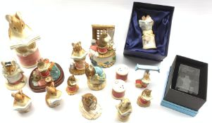 Collection of Beatrix Potter figures mainly by Border Fine Arts including 'The Tailor of Gloucester'