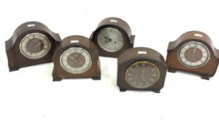 Smiths oak veneered mantel clock, with eight day chiming movement, (W26cm) and four other similar ma