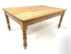 Large Victorian style pine kitchen dining table, 120cm x 181cm, H77cm