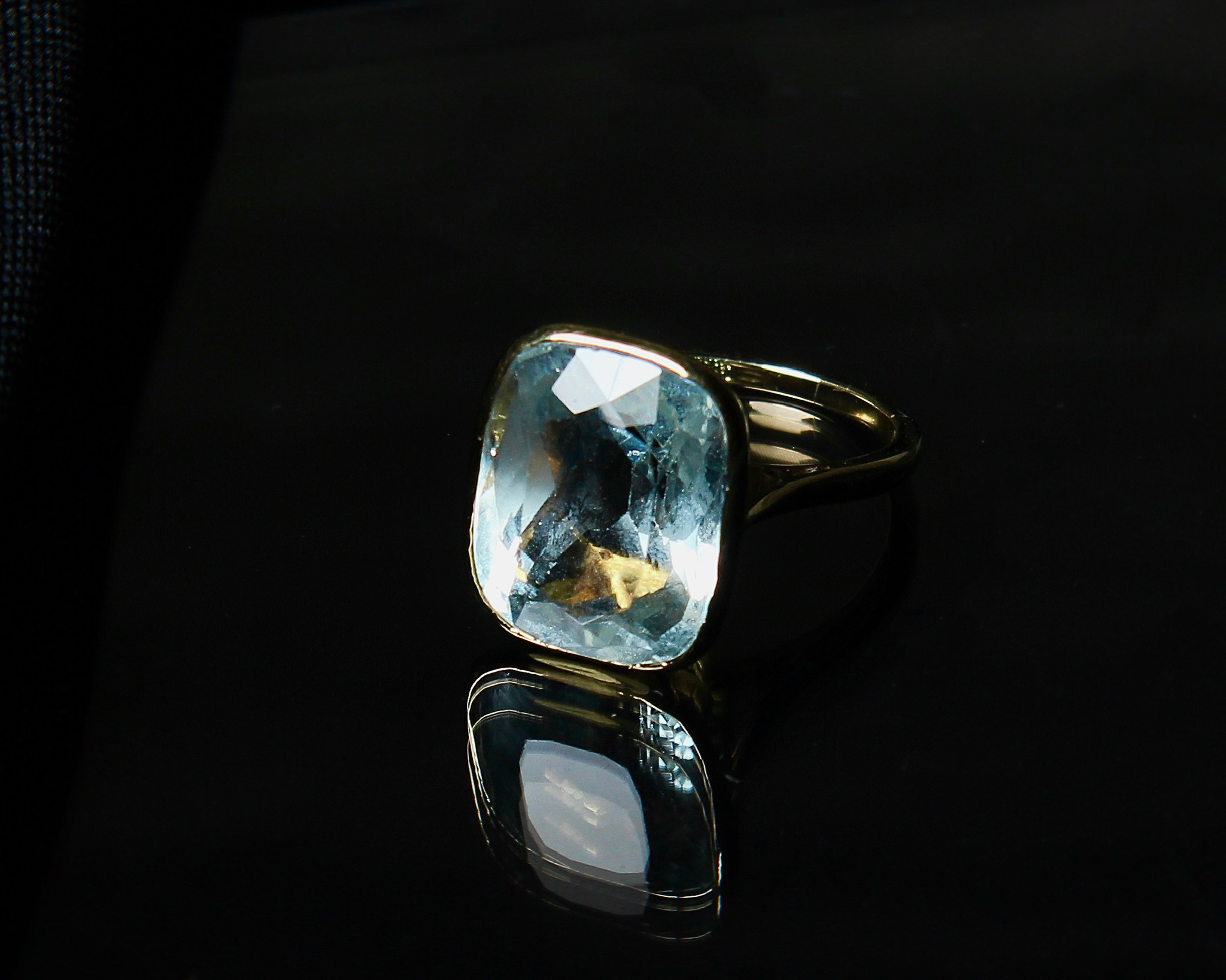 Lot 10 - Vintage Aquamarine Ring, 1970s