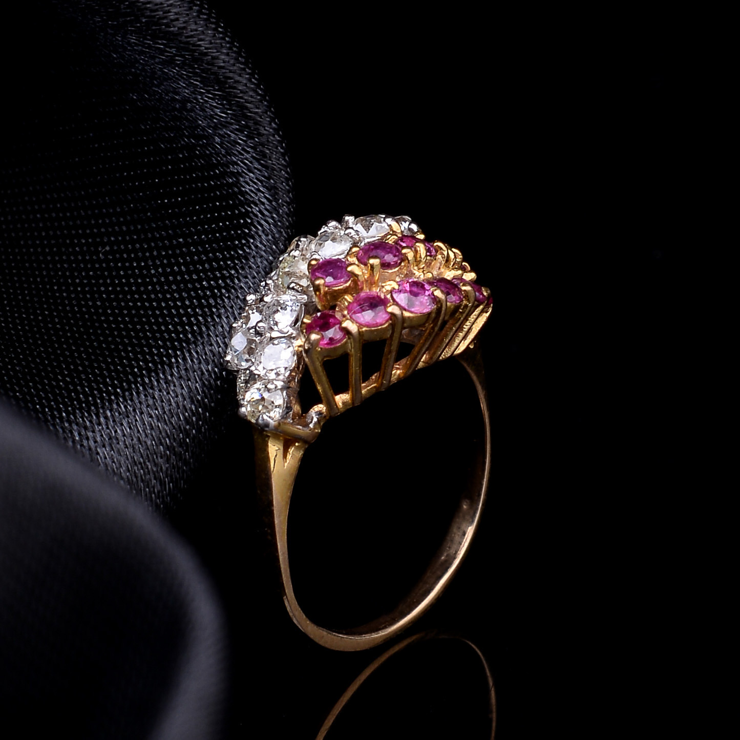 Lot 35 - Ruby and Diamond Ring