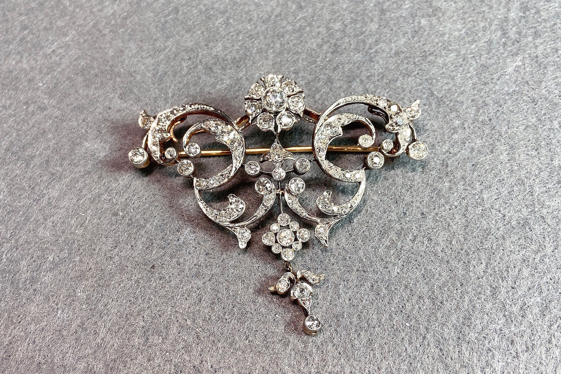 A Rare Diamond and 18K Gold Brooch, Victorian - Image 2 of 4