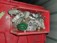 CONTAINER OF BATTERY TERMINALS